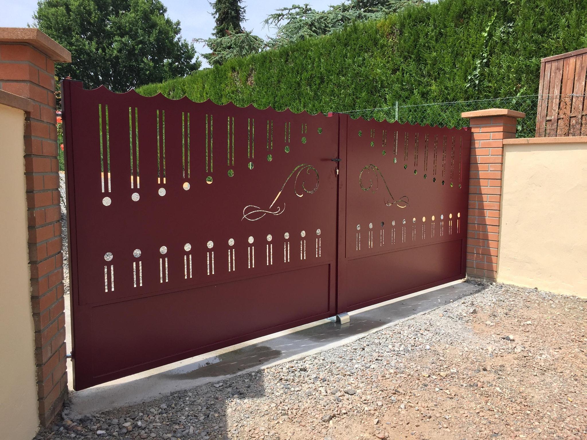 Fabricant portail Acier